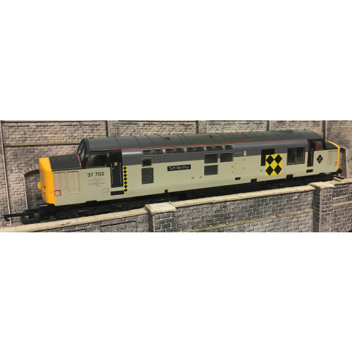 Lima 204735A8 Class 37 Diesel Locomotive No.37702 Taff Merthyr in BR Two-Tone Grey Coal Sector Livery