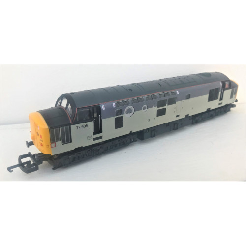 Lima L204647 Class 37 Diesel Locomotive No.37605 in EPS Triple Grey Livery with Tunnel Motif