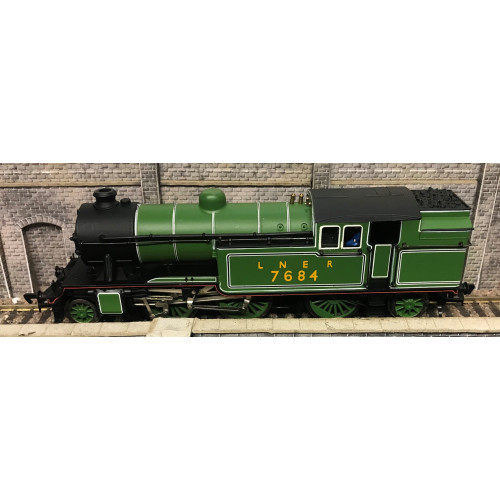 Bachmann 31-600 Class V3 2-6-2T Steam Locomotive No.7684 in LNER Green Livery