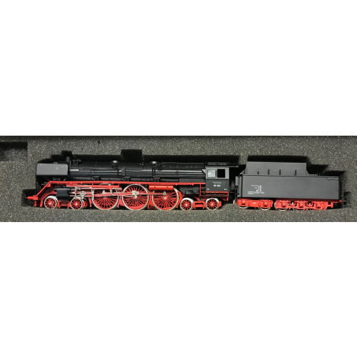 Liliput HO Scale 10503 4-6-4 Steam Locomotive No.05 003 in DB Black