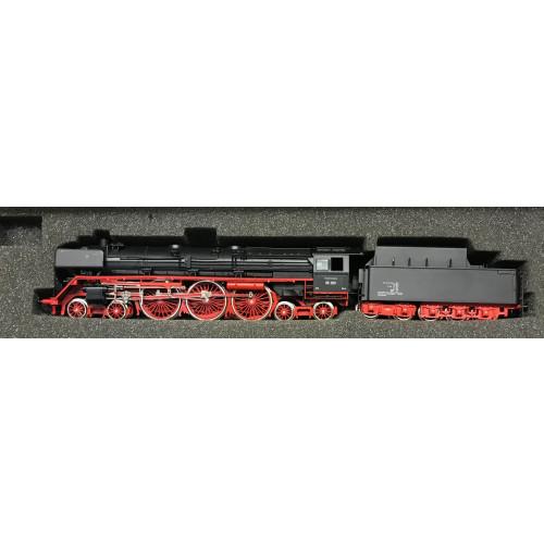 Liliput HO Scale 10503 4-6-4 Steam Locomotive No.05 003 in DB Black