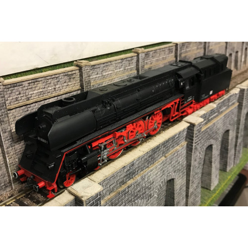 Piko HO Scale BR015 4-6-2 Steam Locomotive No.01 0503-1 in DB Black