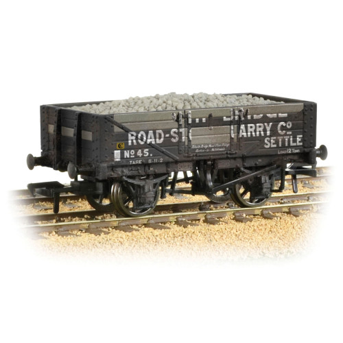 37-039 5 Plank Wagon Steel Floor 'Helwith Bridge Road Stone Quarry' with Load Weathered