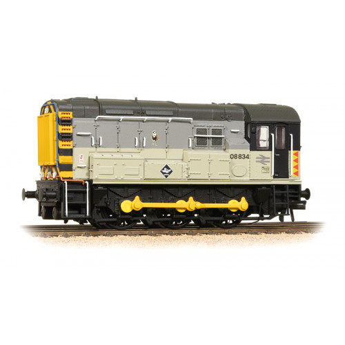 371-014 Class 08 Diesel Shunter No.08834 in BR Railfreight Distribution Livery