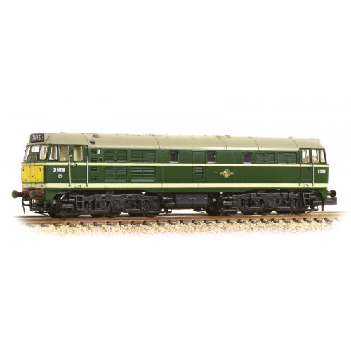 371-111A Class 31 Diesel No.D5616 in BR Green with Small Yellow Panel