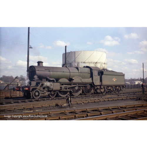 372-032 Castle Class Locomotive No.5070 'Sir Daniel Gooch' in BR Lined Green with Late Crest