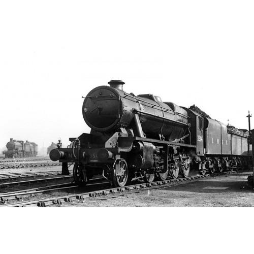 372-160 Stanier Class 8F 2-8-0 Locomotive No.33506 in LNER Black Livery
