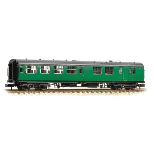 374-432 Bullied 63ft Brake Third Class Corridor Open Coach in BR (SR) Malachite Green