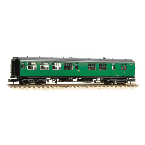 374-432A Bullied 63ft Brake Third Class Corridor Open Coach in BR (SR) Malachite Green