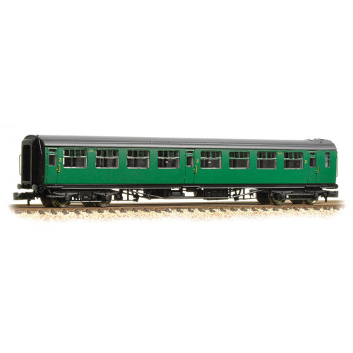 374-442 Bullied 63ft Third Class Corridor Coach in BR (SR) Malachite Green