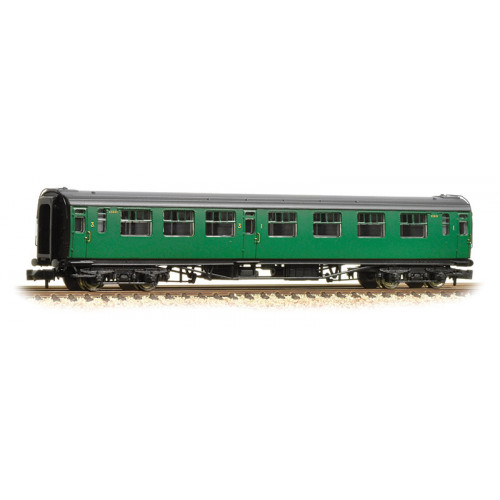 374-462 Bullied 63ft Composite Corridor Coach in BR (SR) Malachite Green