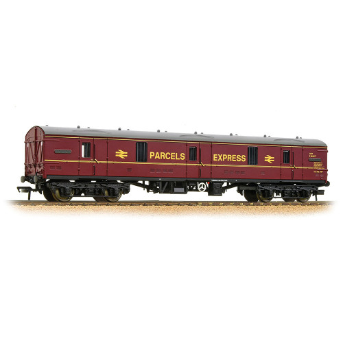 39-271F BR Mk1 GUV General Utility Van in BR Maroon Parcels Express Livery