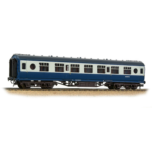 39-452 LMS 57ft Porthole Second Corridor Coach in BR Blue & Grey