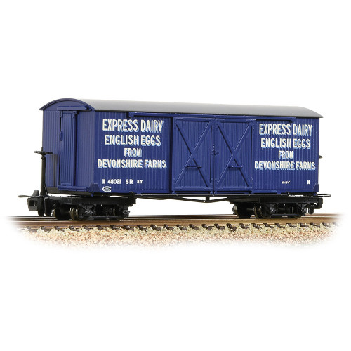 393-029 Bogie Covered Goods Wagon in Express Dairy Company Blue Livery