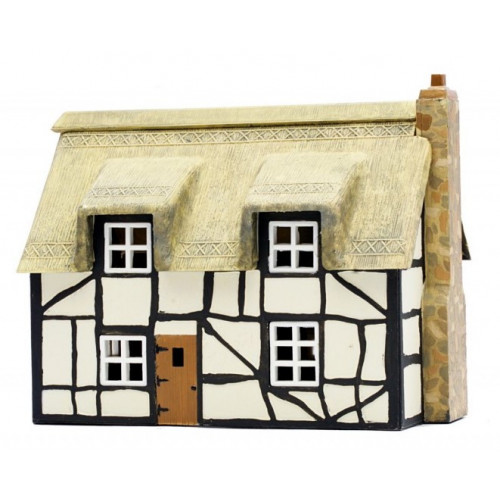 C020 Thatched Cottage Plastic Kit