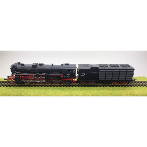 Piko HO Scale BR52 2-8-0 German Steam Locomotive No.52 2006 in Black/Red Livery