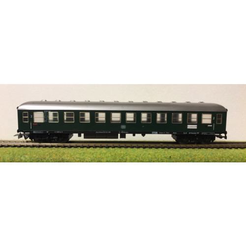 Fleischmann HO Scale German DB Railways Coach in Dark Green Livery