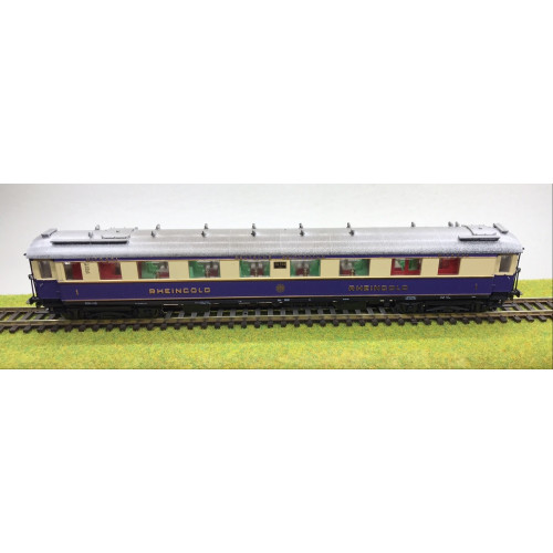 Lilliput HO Scale German Deutsche Reichbahn Rheingold Coach No.20508 in Purple / Cream Livery