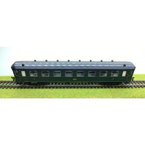 Fleischmann 5153 HO Scale French SNCF 2nd Class Passenger Coach in Green