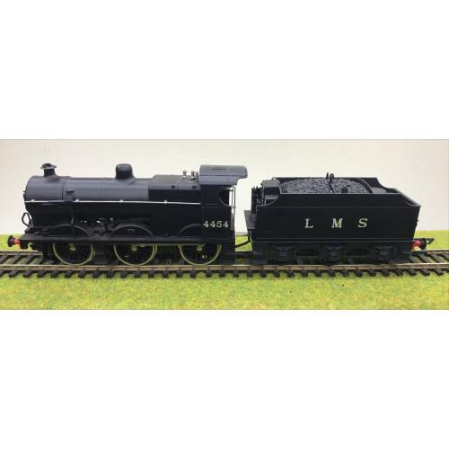 Airfix 0-6-0 Fowler 4F Steam Locomotive No.4454 in LMS Black