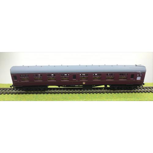 Mainline BR Mk.1 Corridor Coach No.M25390 in Maroon