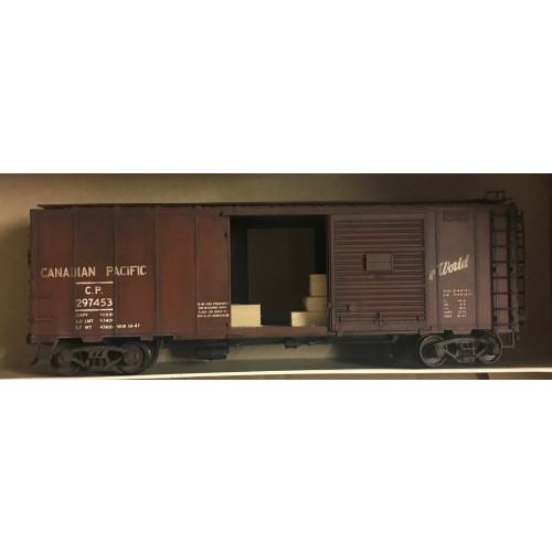 Atlas O Gauge 2-Rail Canadian Pacific Brown Box Car with Sliding Doors and Timber Load (Wrong Box)