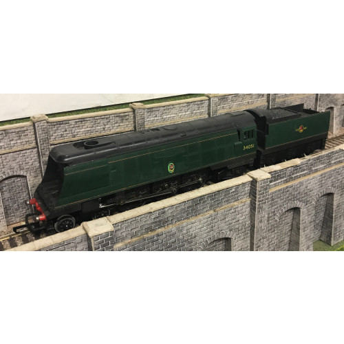 Hornby Bullied Pacific 4-6-2 Steam Locomotive No.34051 Winston Churchill in BR Green with Late Crest