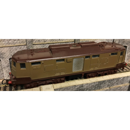 Lima HO Scale Electric Locomotive in Two-Tone Brown Livery with missing Pantographs