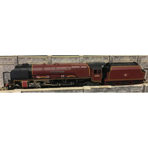 Hornby 00 Gauge Coronation Class 4-6-2 Steam Locomotive No.46251 City of Nottingham in BR Lined Maroon