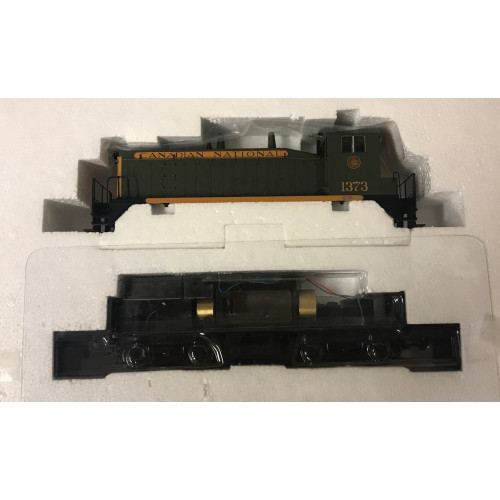 HO Scale Canadian National Shunting SW9/1200 Diesel Locomotive No.1373 in Green / Gold