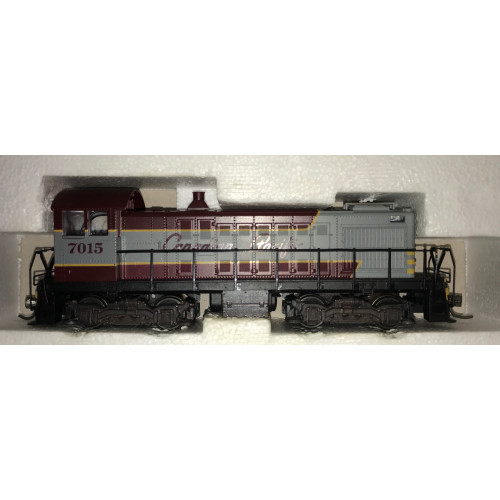 Atlas #8085 HO Scale S-2 Canadian Pacific Diesel Shunter No.7015 in Burgundy & Grey