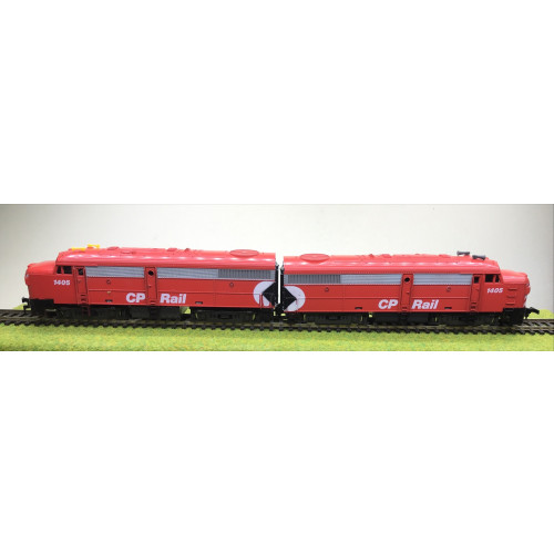 Model Power HO Scale Alco FA2 Diesel Motor & Dummy Units in Canadian Pacific Livery