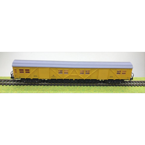 Roco 4359B HO Scale Parcels Wagon in DB Railways Yellow Livery