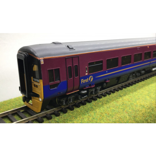 Bachmann 31-510 Class 158 2-Car DMU in First Group Transpennine Livery