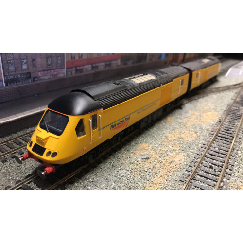 Hornby R2984 New Measurement Train Class 43 Power Train & R4457 Coach Pack