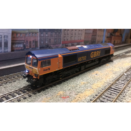 Bachmann 32-727DS Class 66 Diesel Locomotive No.66702 Blue Lightening in GBRf Blue & Yellow Livery - Sound Fitted
