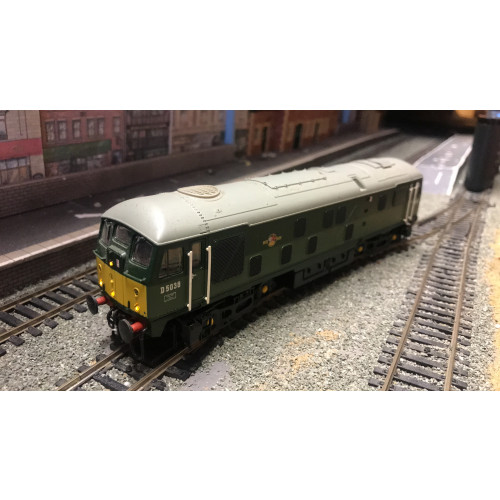 Bachmann 32-426DS Class 24 Bo-Bo Diesel Locomotive No.D5038 in BR Two Tone Green - Sound Fitted