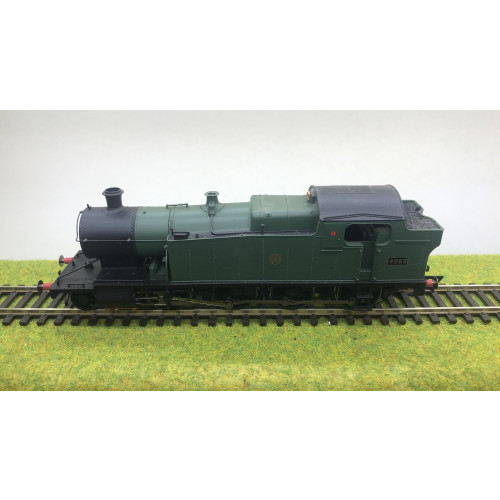 Hornby R3123 GWR Class 42xx 2-8-0T Tank Locomotive No.4283 in GWR Green with Shirtbutton