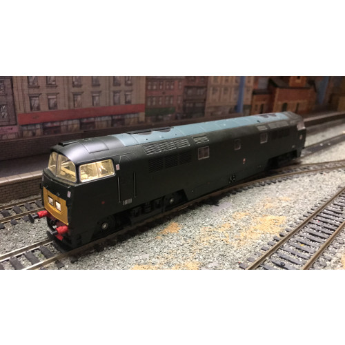 Dapol 4D-003-002 Class 52 Western Diesel Locomotive No.D1038 Western Sovereign in BR Green with Small YEP - DCC Fitted