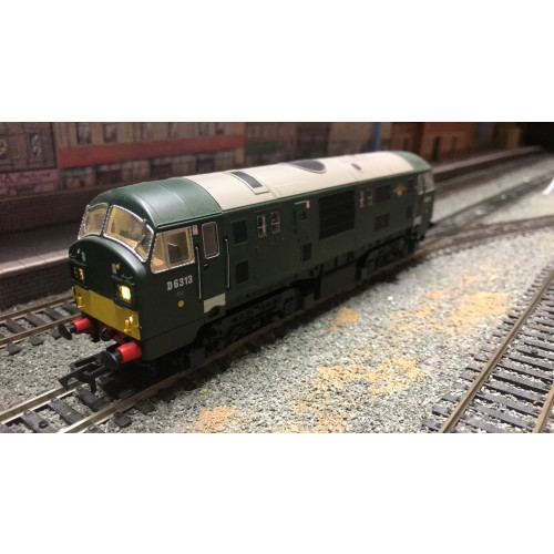 Dapol D1000E North British Class 22 Diesel Locomotive No.D6313 in BR Green with SMall YWP - DCC Fitted