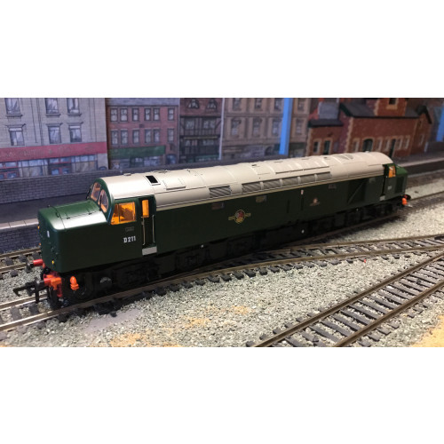 Bachmann 32-480DS Class 40 Diesel Locomotive No.D211 Mauritania in BR Green - Sound Fitted