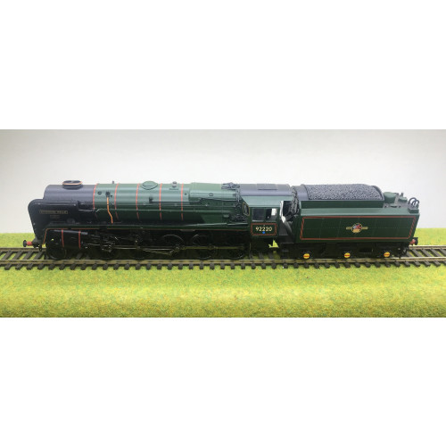 Bachmann 32-850A BR Standard Class 9F 2-10-0 Steam Locomotive No.92220 Evening Star in BR Green with Late Crest - DCC Fitted