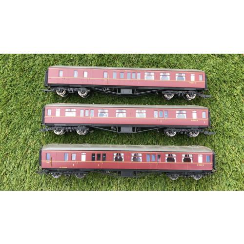 Hornby Set B Rake of 3 Hawksworth Coaches in Maroon