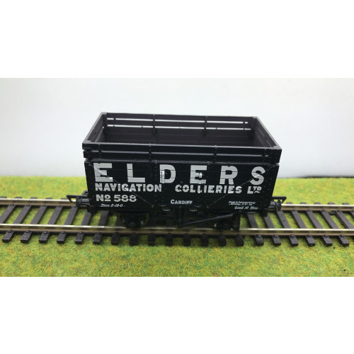 Bachmann 37-182A 7 Plank Wagon No.588 with Coke Rails in Elders Navigation Collieries Livery
