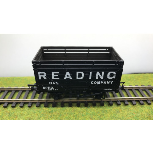 Bachmann 37-206 8 Plank Wagon No.112 with Coke Rails in Reading Gas Company Livery