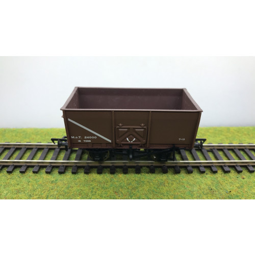 Bachmann 37-426A 16 Ton Slope Side Mineral wagon No.24000 with Pressed Side Door in Brown MOT Livery