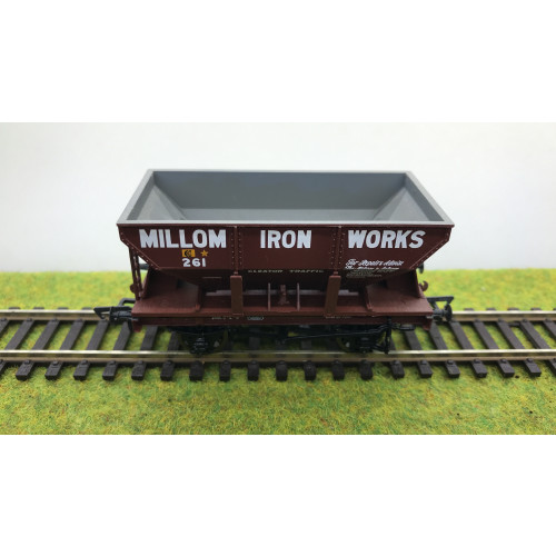 Bachmann 37-504 24 Ton Ore Wagon No.261 in Millom Iron Works Livery