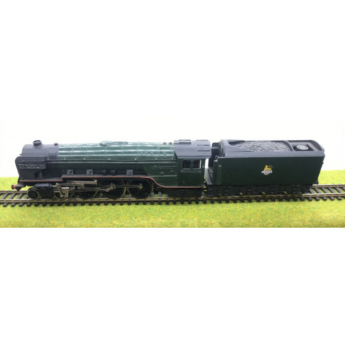 Liliput Trix A2 Class 4-6-2 Steam Locomotive No.60525 A.H. Peppercorn in BR Green with Early Emblem