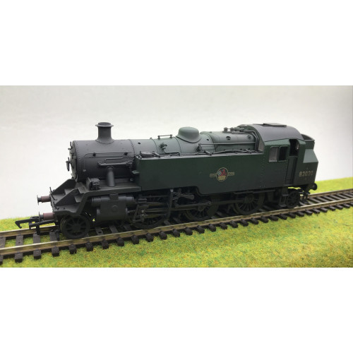 Bachmann 31-980 BR Standard Class 3MT Tank Locomotive No.82020 in BR Green with Late Crest - Weathered