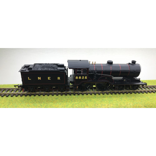 Hornby R3233 LNER Class D16 Steam Locomotive No.8825 in LNER Black